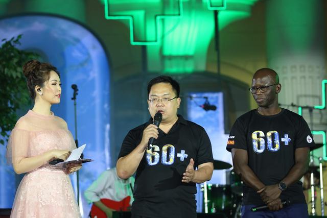 Hình ảnh ấn tượng của Lễ Tắt đèn hưởng ứng Giờ Trái đất 2019 tại Hà Nội - Ảnh 5.