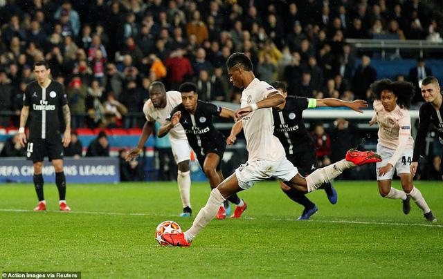 ẢNH: Man Utd thắng kịch tính PSG nhờ VAR để giành quyền vào tứ kết UEFA Champions League - Ảnh 15.
