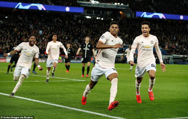 ẢNH: Man Utd thắng kịch tính PSG nhờ VAR để giành quyền vào tứ kết UEFA Champions League - Ảnh 16.