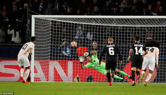 ẢNH: Man Utd thắng kịch tính PSG nhờ VAR để giành quyền vào tứ kết UEFA Champions League - Ảnh 14.