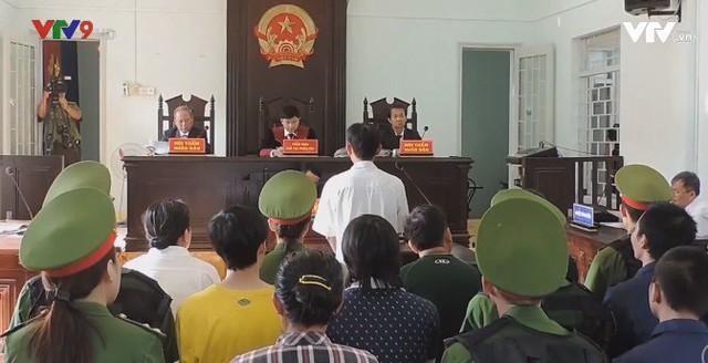 Bình Thuận: Xét xử thêm 15 đối tượng gây rối trật tự - Ảnh 1.