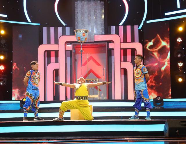 Ca sĩ Gil Lê xuất sắc đem về chiến thắng cho đội Hổ báo đen trong Bộ ba siêu đẳng - Ảnh 3.