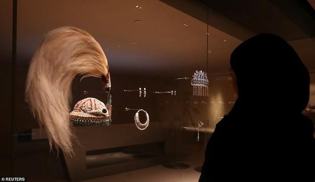 Bảo tàng quốc gia Qatar chính thức mở cửa sau 10 năm - Ảnh 6.