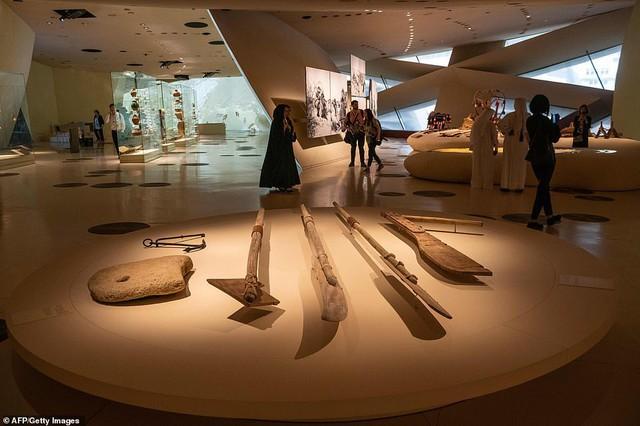 Bảo tàng quốc gia Qatar chính thức mở cửa sau 10 năm - Ảnh 4.