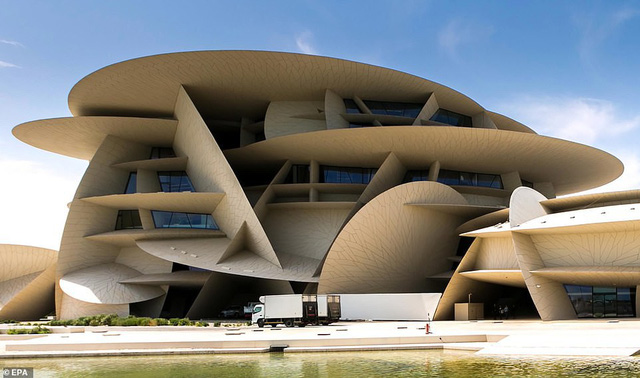 Bảo tàng quốc gia Qatar chính thức mở cửa sau 10 năm - Ảnh 1.