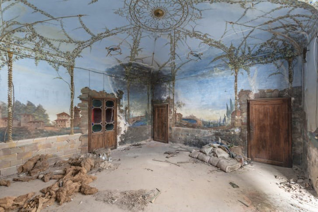 Những bức bích họa bị bỏ rơi của giới thượng lưu xưa tại châu Âu - Ảnh 3.