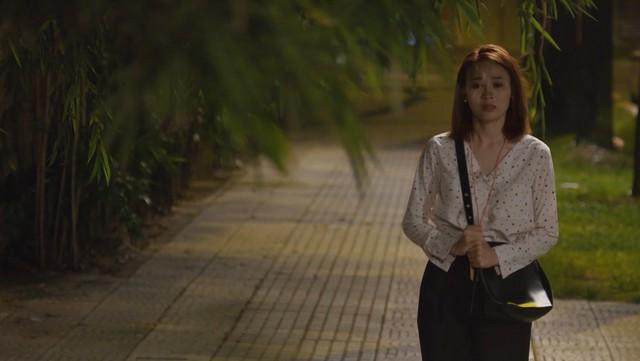 Mối tình đầu của tôi - Tập 46: Dù bị thương vì tai nạn, Minh Huy vẫn trốn bệnh viện chạy đến bên lúc An Chi buồn - Ảnh 8.