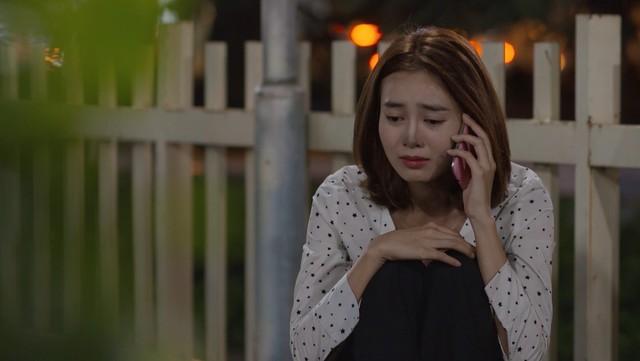 Mối tình đầu của tôi - Tập 46: Dù bị thương vì tai nạn, Minh Huy vẫn trốn bệnh viện chạy đến bên lúc An Chi buồn - Ảnh 9.