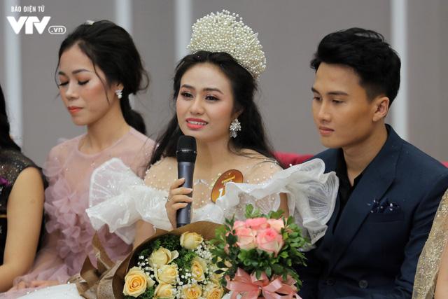 3 Quán quân Sao mai 2019 vỡ òa niềm hạnh phúc trong giây phút đăng quang - Ảnh 3.