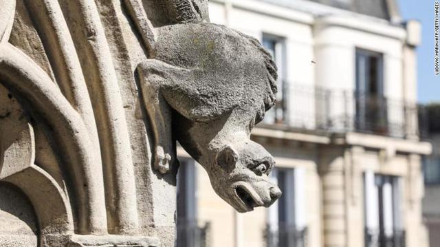 Những hiện vật quý của Nhà thờ Đức Bà Paris trước khi bị ngọn lửa tàn phá - Ảnh 6.
