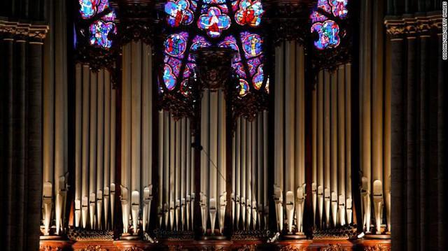 Những hiện vật quý của Nhà thờ Đức Bà Paris trước khi bị ngọn lửa tàn phá - Ảnh 2.