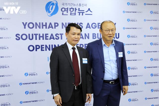 Hãng thông tấn Yonhap (Hàn Quốc) khai trương Văn phòng khu vực Đông Nam Á tại Hà Nội - Ảnh 1.