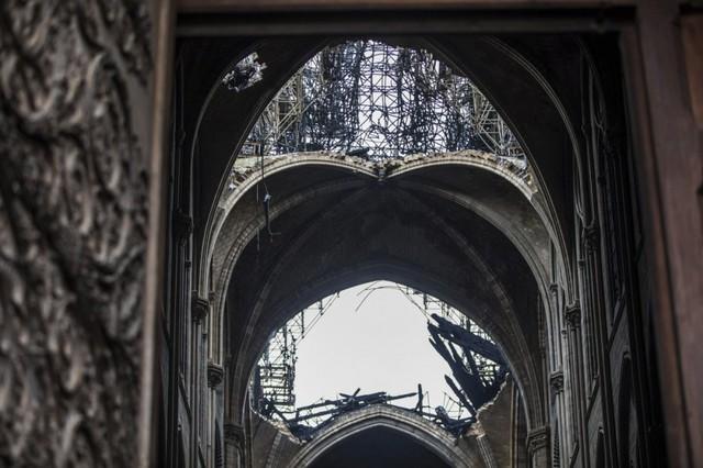 Gian nan quá trình phục dựng Nhà thờ Đức Bà Paris - Ảnh 1.