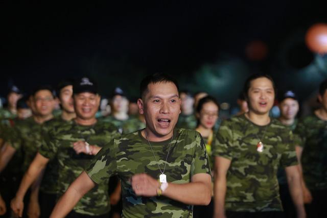 Gần 3.000 cán bộ nhân viên FPT IS cùng hát quốc ca đón Hành trình ngày mới chào tuổi 25 - Ảnh 2.