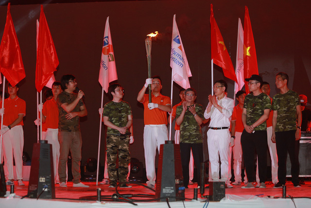 Gần 3.000 cán bộ nhân viên FPT IS cùng hát quốc ca đón Hành trình ngày mới chào tuổi 25 - Ảnh 1.
