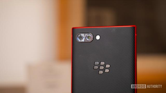 BlackBerry ra mắt KEY2 phiên bản màu đỏ cực chất - Ảnh 6.
