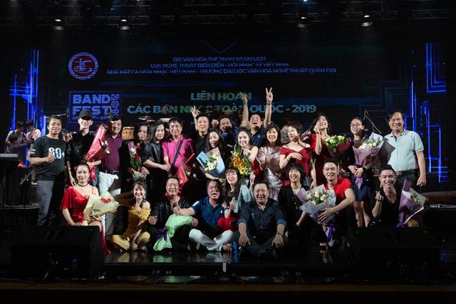 """Mai Diệu Ly cùng ban nhạc Phương Đông giành """"mưa"""" giải thưởng tại Liên hoan các Ban nhạc 2019 - Ảnh 6."""