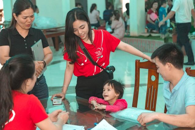 11 bệnh nhi tim bẩm sinh tại Phú Thọ được làm thủ tục hỗ trợ phẫu thuật miễn phí từ Trái tim cho em - Ảnh 9.