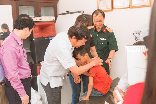 11 bệnh nhi tim bẩm sinh tại Phú Thọ được làm thủ tục hỗ trợ phẫu thuật miễn phí từ Trái tim cho em - Ảnh 7.