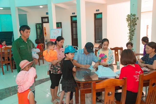 11 bệnh nhi tim bẩm sinh tại Phú Thọ được làm thủ tục hỗ trợ phẫu thuật miễn phí từ Trái tim cho em - Ảnh 11.