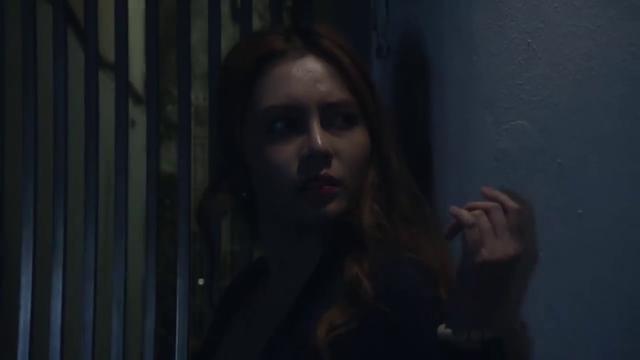 Mê cung - Tập 1: Cô gái trẻ bị kẻ biến thái tấn công trong đêm tối, ngõ vắng - Ảnh 1.
