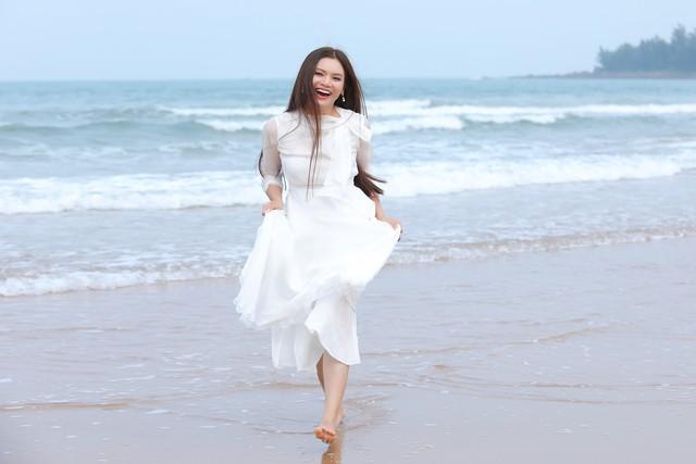 500 người dân đóng MV của Phạm Phương Thảo về quê hương Nghi Lộc - Ảnh 1.