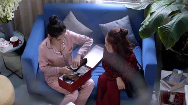 Mối tình đầu của tôi - Tập 53: Trong khi An Chi - Nam Phong trao nhau nụ hôn ngọt ngào, Minh Huy cô đơn dưới mưa - Ảnh 4.