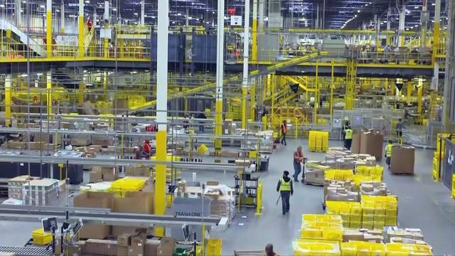 Amazon vận chuyển miễn phí trong 1 ngày cho thành viên Prime - Ảnh 1.