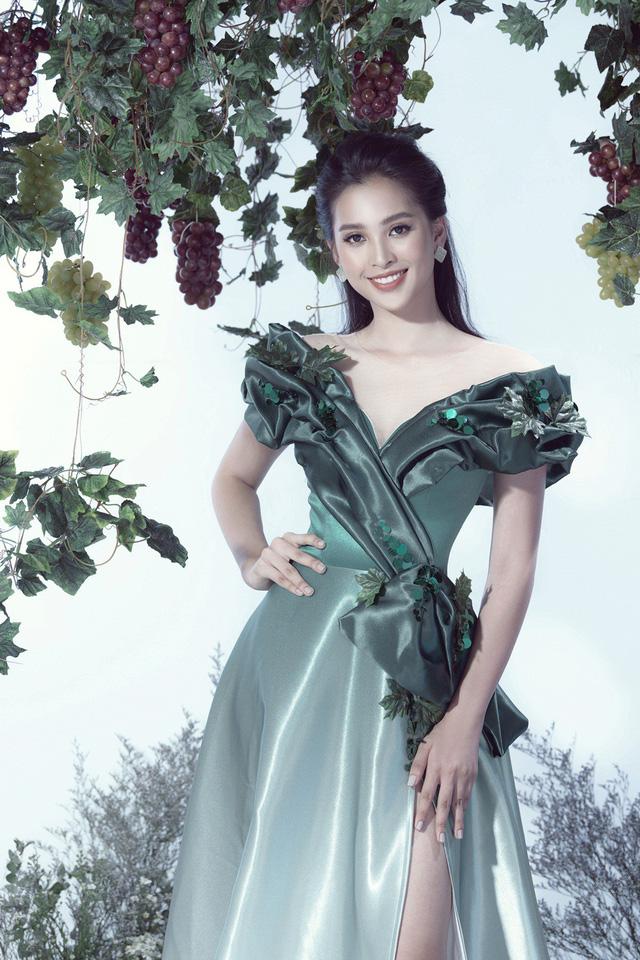 Top 3 Hoa hậu Việt Nam 2018 hóa thành nữ thần nho trong bộ ảnh mới - Ảnh 1.