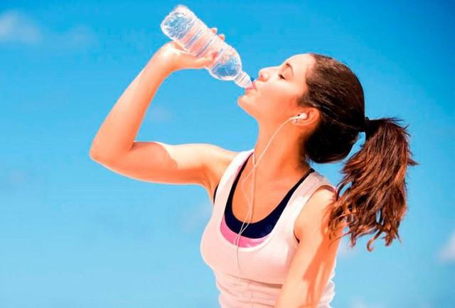 Tác hại khôn lường khi uống nước lạnh ngày nóng - Ảnh 5.