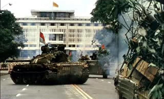 Sống lại thời khắc lịch sử ngày 30/4 trong talkshow Ký ức Việt Nam: Đến ngày hoà bình - Ảnh 2.