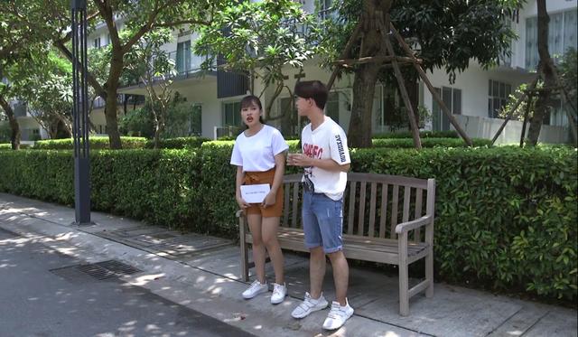 Gia đình 4.0: Con gái và con trai diễn viên Thanh Hương ngất xỉu vì nhịn đói livestream bán hàng quần áo - Ảnh 1.