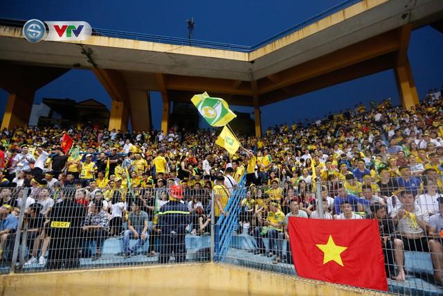 ẢNH: Thắng đậm Sông Lam Nghệ An, CLB Hà Nội vươn lên dẫn đầu V.League - Ảnh 1.