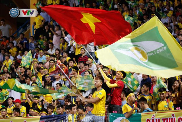 ẢNH: Thắng đậm Sông Lam Nghệ An, CLB Hà Nội vươn lên dẫn đầu V.League - Ảnh 2.