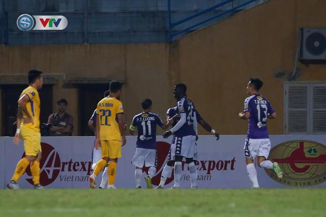ẢNH: Thắng đậm Sông Lam Nghệ An, CLB Hà Nội vươn lên dẫn đầu V.League - Ảnh 8.