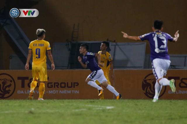 ẢNH: Thắng đậm Sông Lam Nghệ An, CLB Hà Nội vươn lên dẫn đầu V.League - Ảnh 10.