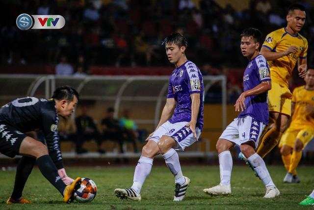 ẢNH: Thắng đậm Sông Lam Nghệ An, CLB Hà Nội vươn lên dẫn đầu V.League - Ảnh 14.