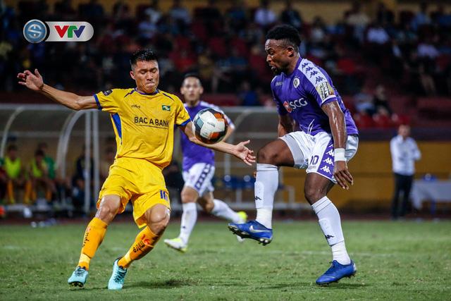 ẢNH: Thắng đậm Sông Lam Nghệ An, CLB Hà Nội vươn lên dẫn đầu V.League - Ảnh 17.