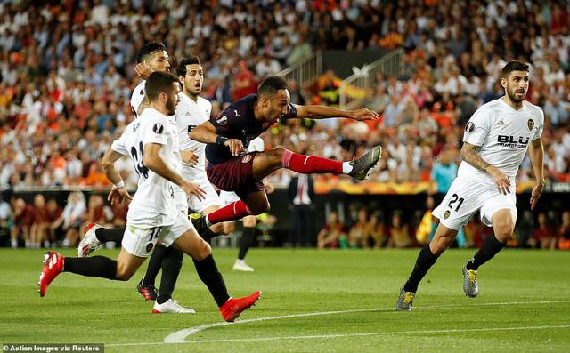 ẢNH: Arsenal thắng thuyết phục Valencia để giành quyền vào chung kết Europa League - Ảnh 6.