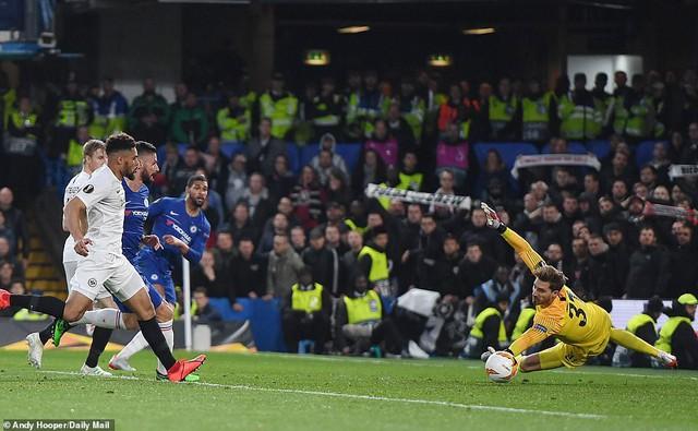 ẢNH: Chelsea nghẹt thở vượt qua Frankfurt, tiến vào chung kết Europa League - Ảnh 5.