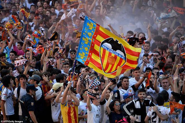 ẢNH: Arsenal thắng thuyết phục Valencia để giành quyền vào chung kết Europa League - Ảnh 1.
