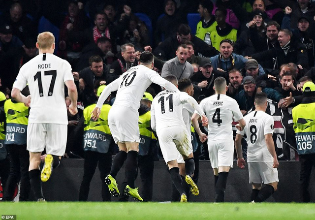 ẢNH: Chelsea nghẹt thở vượt qua Frankfurt, tiến vào chung kết Europa League - Ảnh 9.