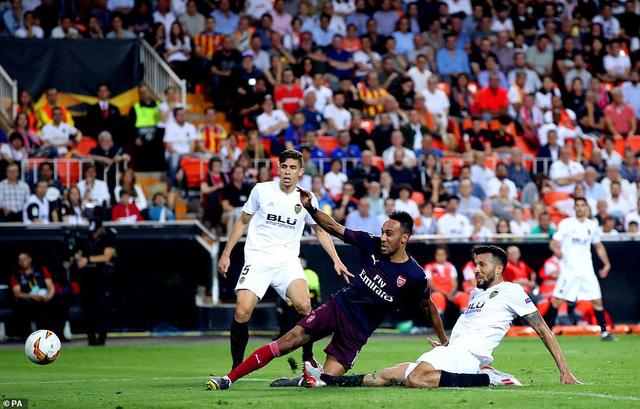 ẢNH: Arsenal thắng thuyết phục Valencia để giành quyền vào chung kết Europa League - Ảnh 11.
