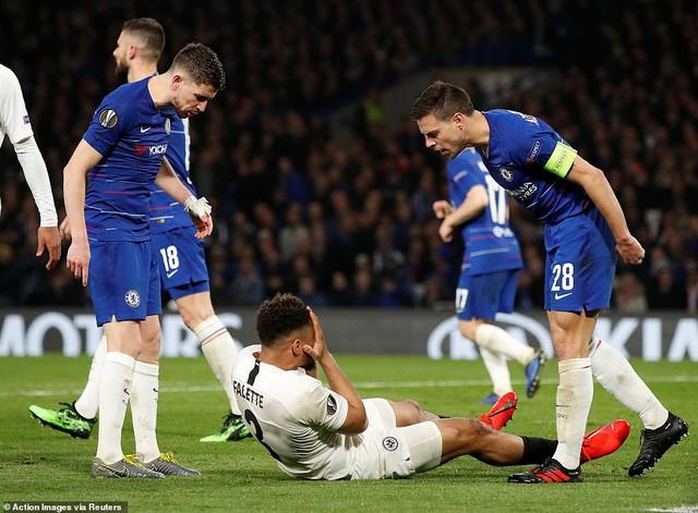 ẢNH: Chelsea nghẹt thở vượt qua Frankfurt, tiến vào chung kết Europa League - Ảnh 2.