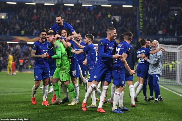 ẢNH: Chelsea nghẹt thở vượt qua Frankfurt, tiến vào chung kết Europa League - Ảnh 15.