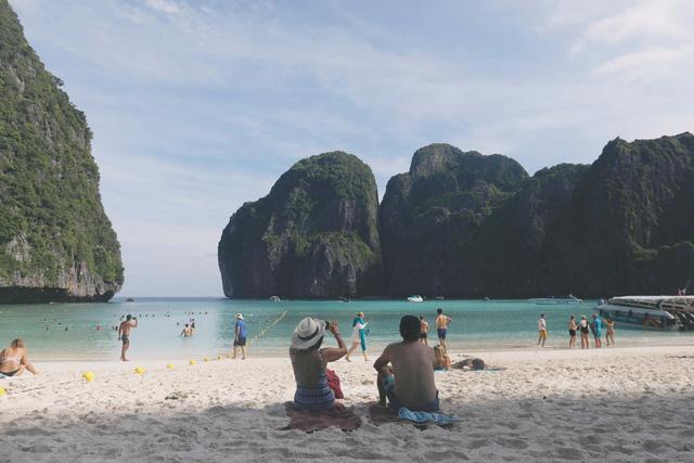 Thái Lan đóng cửa vịnh Maya đến năm 2021 - Ảnh 4.