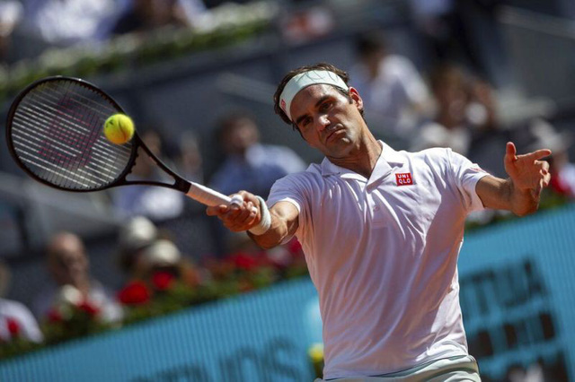 Ngược dòng đánh bại Federer, Dominic Thiem gặp Djokovic tại bán kết Madrid mở rộng - Ảnh 2.