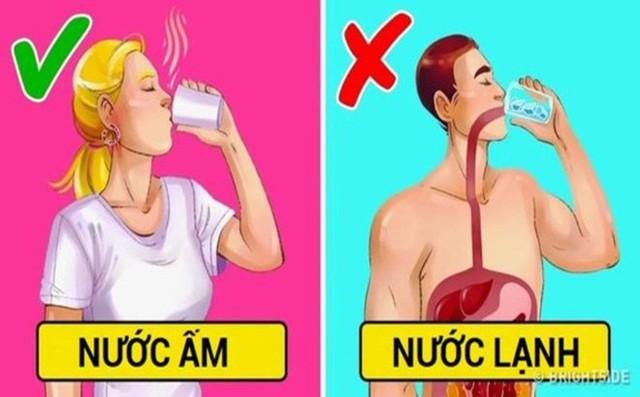 Uống nước đá mùa nắng nóng gây hại cho sức khỏe như thế nào? - Ảnh 1.