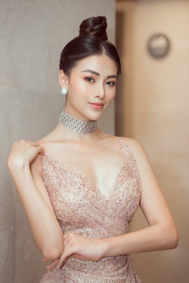Hoa hậu Phương Khánh giảm 10kg khoe vòng eo 54cm - Ảnh 1.