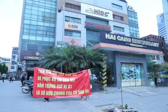Cư dân chung cư M5 Nguyễn Chí Thanh nóng vì tranh chấp với chủ đầu tư - Ảnh 2.